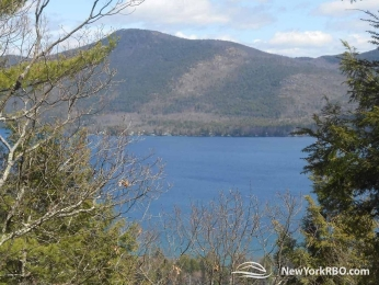 Lake George Holiday Retreat